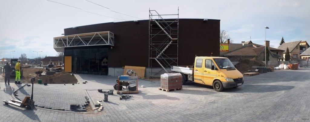 Prekybos paskirties pastatas Kuršėnuose